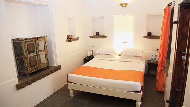 room-770x435-l